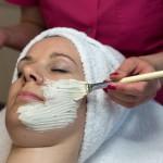 Onderdeel van de gezichtsbehandeling van Hemels beauty en health